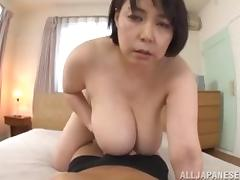 mature slut has huge boobs