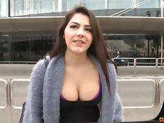 Valentina Nappi fucking in the car with her curvy ass