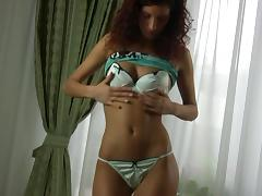 Curly-haired Russian girl Anita finally reveals her perfect buttocks