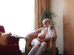 Big boobs gloves