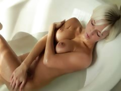 fairhair beautys Megan morning shower