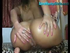 Hot Euro Camgirl Pissing On Webcam FULL