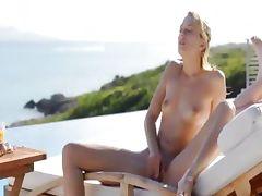 fairhair babe Leila naked in the sun