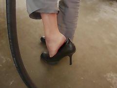 babysitter show her feet