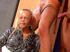 Hot body chicks fucked with pissing