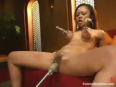 Asian hussy Annie Cruz takes a excellent high-pressure on a going to bed machinery