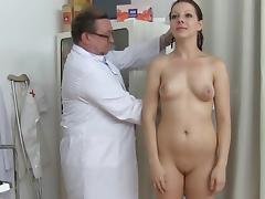 Gyno doctor if touching puss of Tarya King