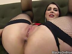 Valentina Nappi shows her amazing holes in hardcore backstage clip